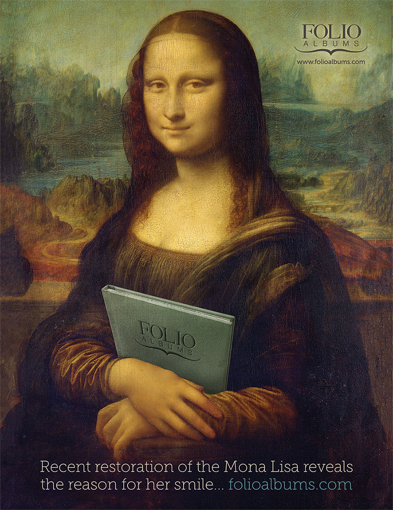 mona-with-folio-album